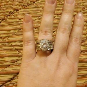 Jeulia white sapphire ring and band set